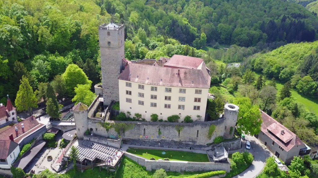 visit Guttenberg castle